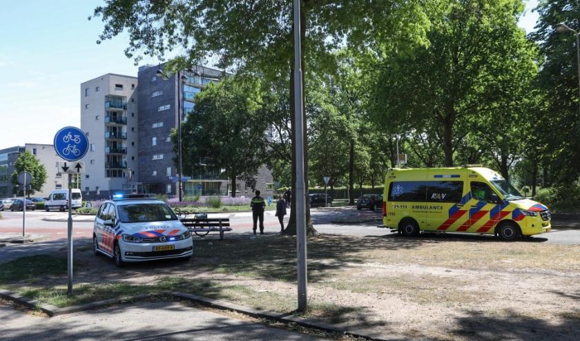 Fietser gewond bij ongeval op Schaepmanlaan. (Foto: Gabor Heeres, Foto Mallo)