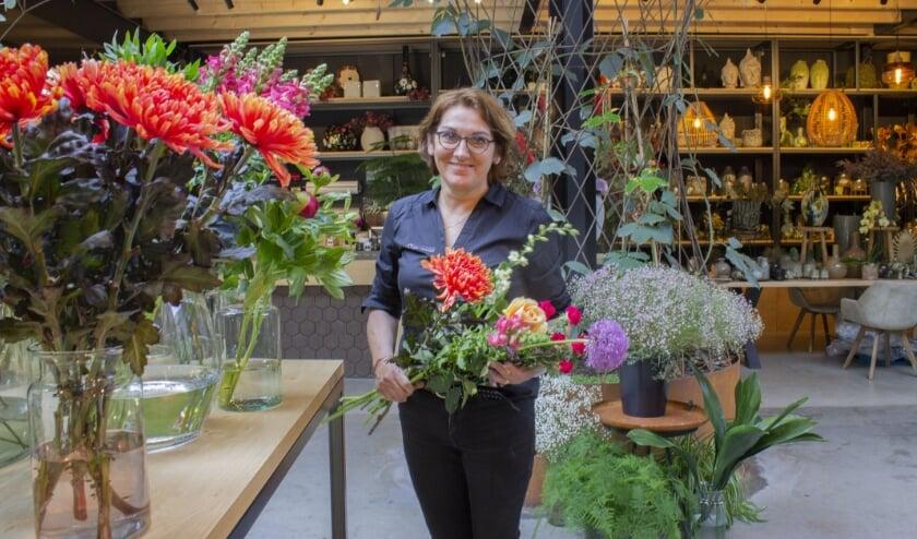 Tine van der Doelen is het gezicht van Bloemenzaak Trendsetters.