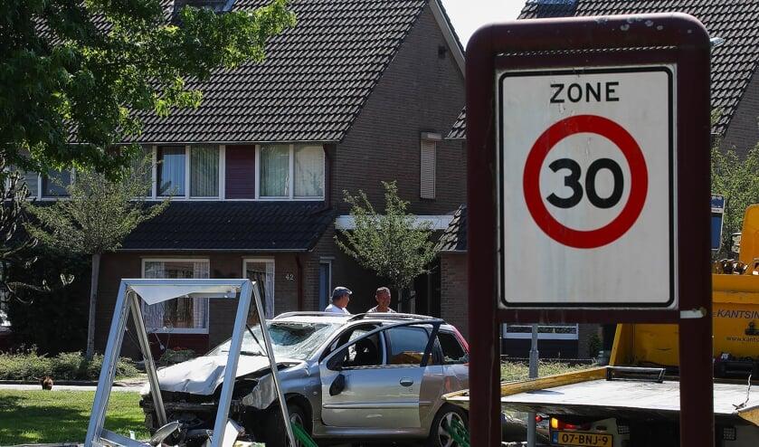 Ongeval op de Schalskampweg. (Foto: Gabor Heeres, Foto Mallo)