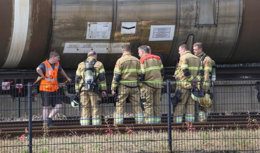 Geen treinverkeer door lekkende wagon bij treinstation in Oss. (Foto: Gabor Heeres, Foto Mallo)