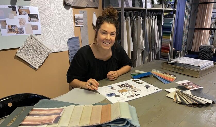 """Interieurvormgever Anne de Haas: """"Elke klant heeft een eigen gevoel en voorkeur voor het interieur in zijn woning."""" (Tekst en foto: Jos Gröniger)"""