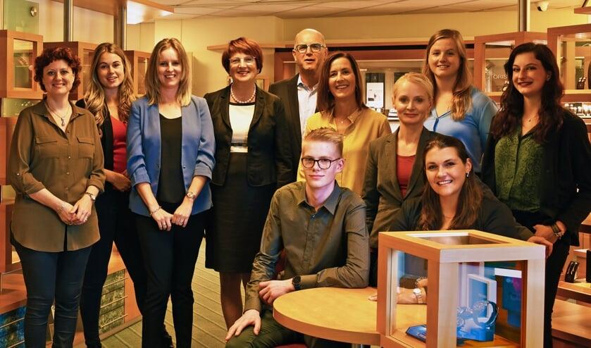 Het team van Juwelier Optiek Verlinden. (foto: Ferry Vloet Mill)