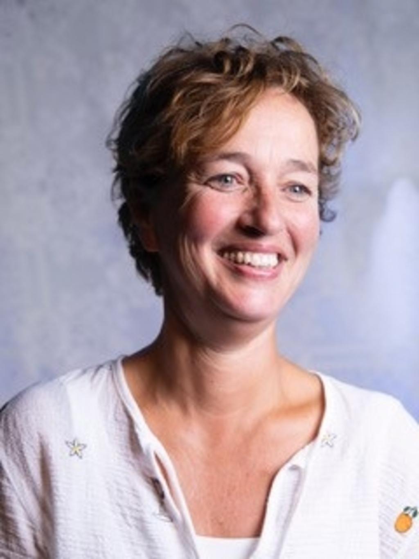 Anneke Schröder, de nieuwe regisseur van Revue Gennep.