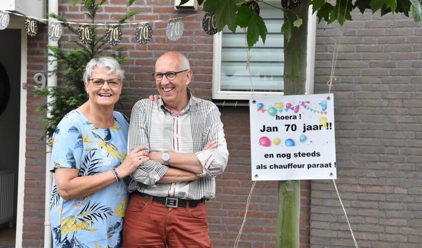 Jan van Houtum lacht zijn tanden bloot.