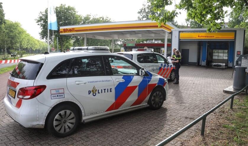 Tankstation Joost van den Vondellaan overvallen. (Foto: Gabor Heeres, Foto Mallo)