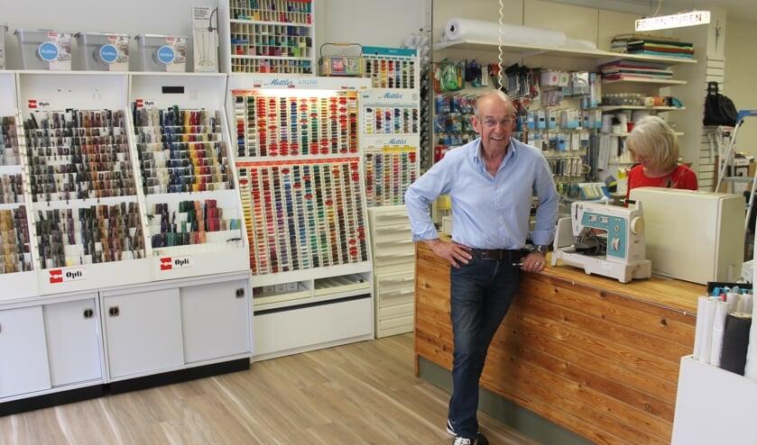Jan de Klijn in Naaimachinehuis Jan de Klijn.