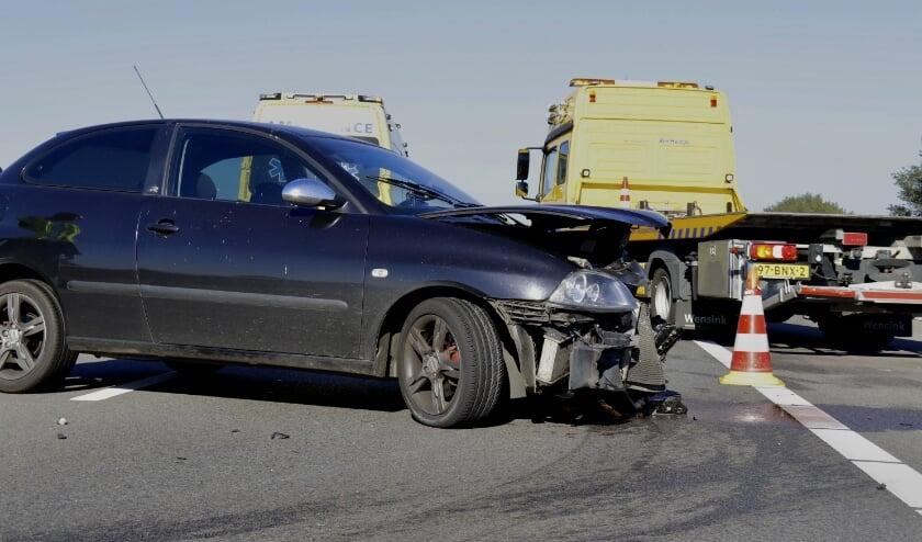Bij een eenzijdig ongeval op de A73 bij Heijen is een bestuurder gewond geraakt.