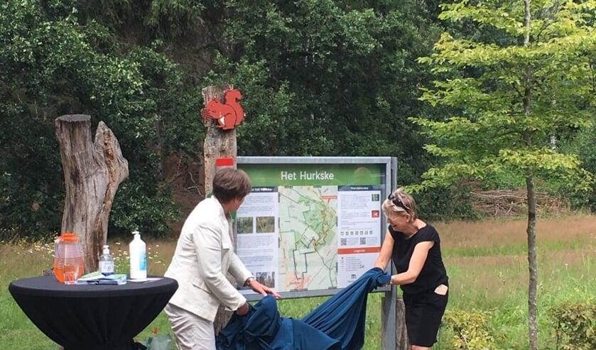 Eén van drie informatiepanelen met vernieuwde wandelroutes