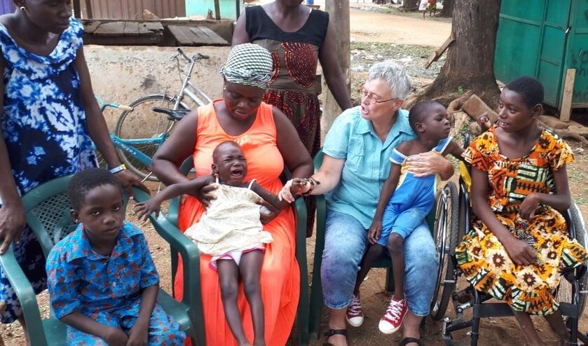 Margreet tijdens een eerdere reis naar Ghana.