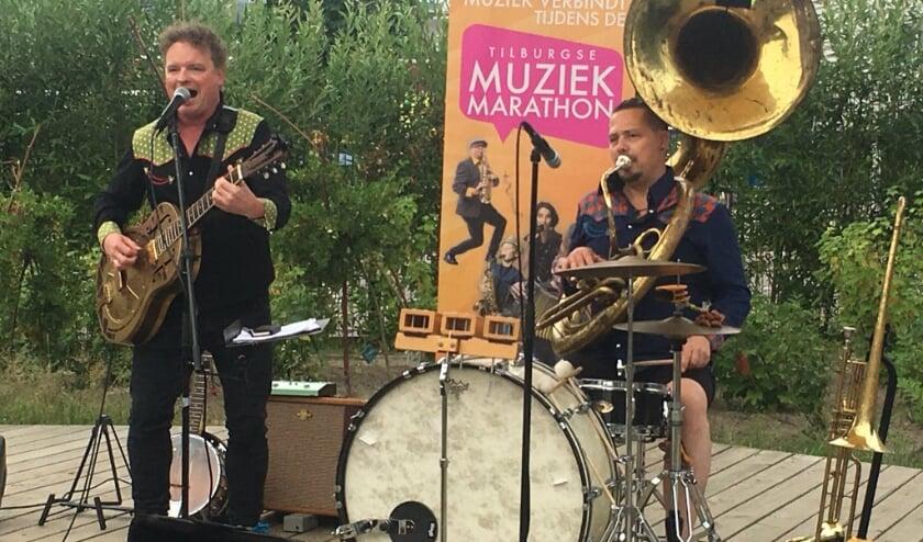 Verbraak & Van Bijnen verzorgt de muziek.