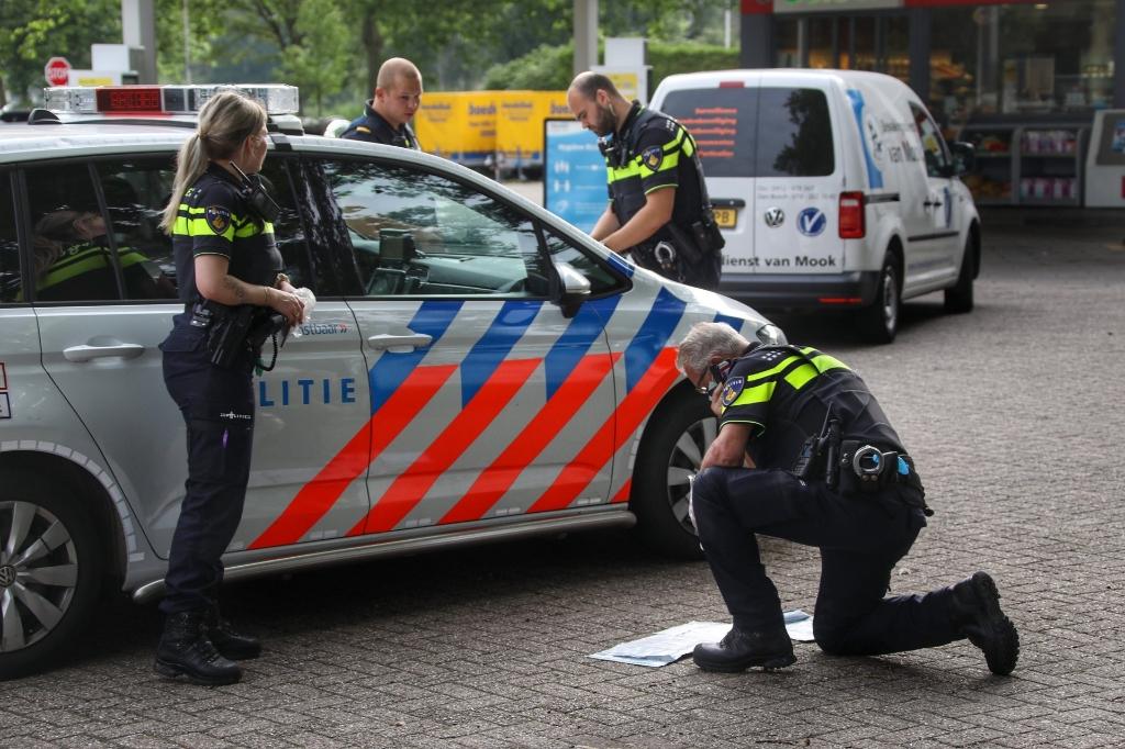 Tankstation Joost van den Vondellaan overvallen. (Foto: Gabor Heeres, Foto Mallo)  © 112 Brabantnieuws