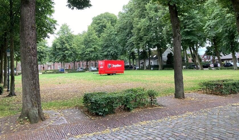 Drie horeca-ondernemers openen groot terras op De Brink.