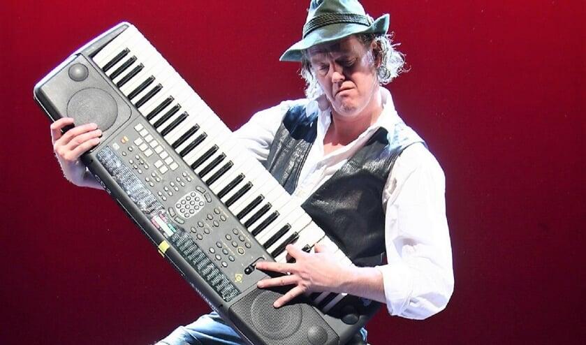 Otto maakt deze Duitse avond compleet met zijn muziek en sfeer.