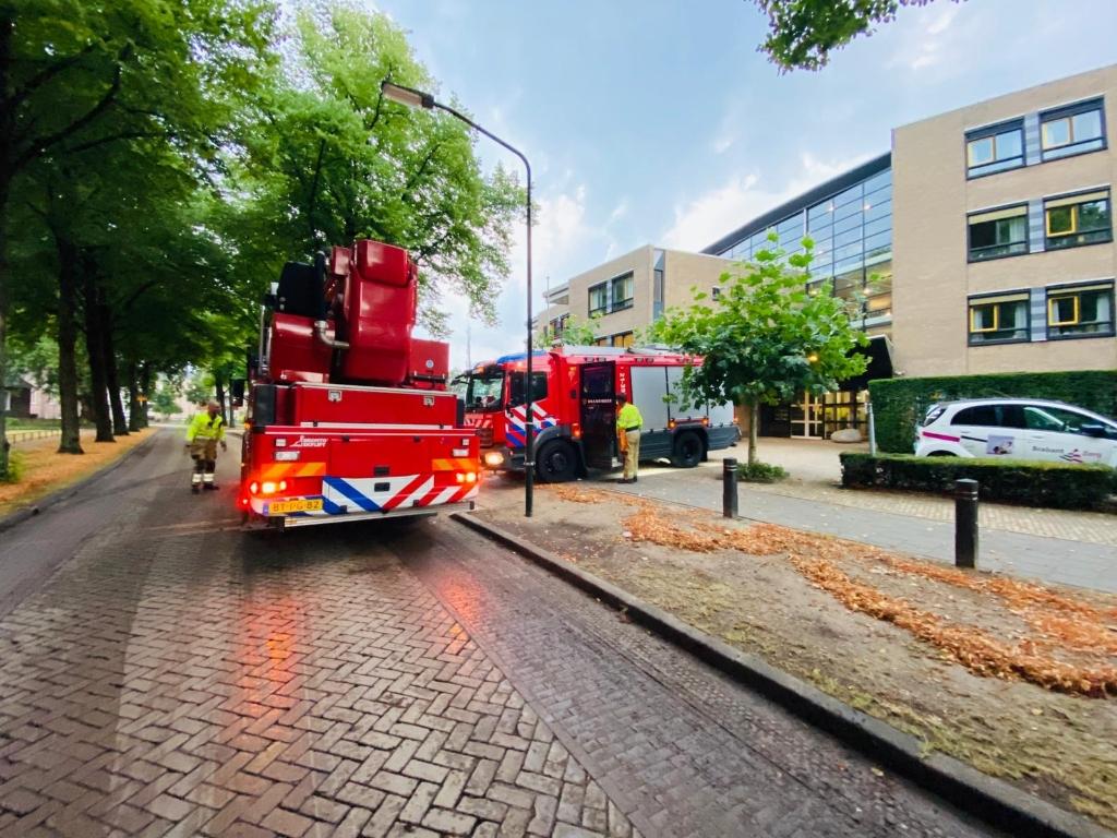 Wateroverlast bij Hertoghof.  Foto:  © Kliknieuws Veghel