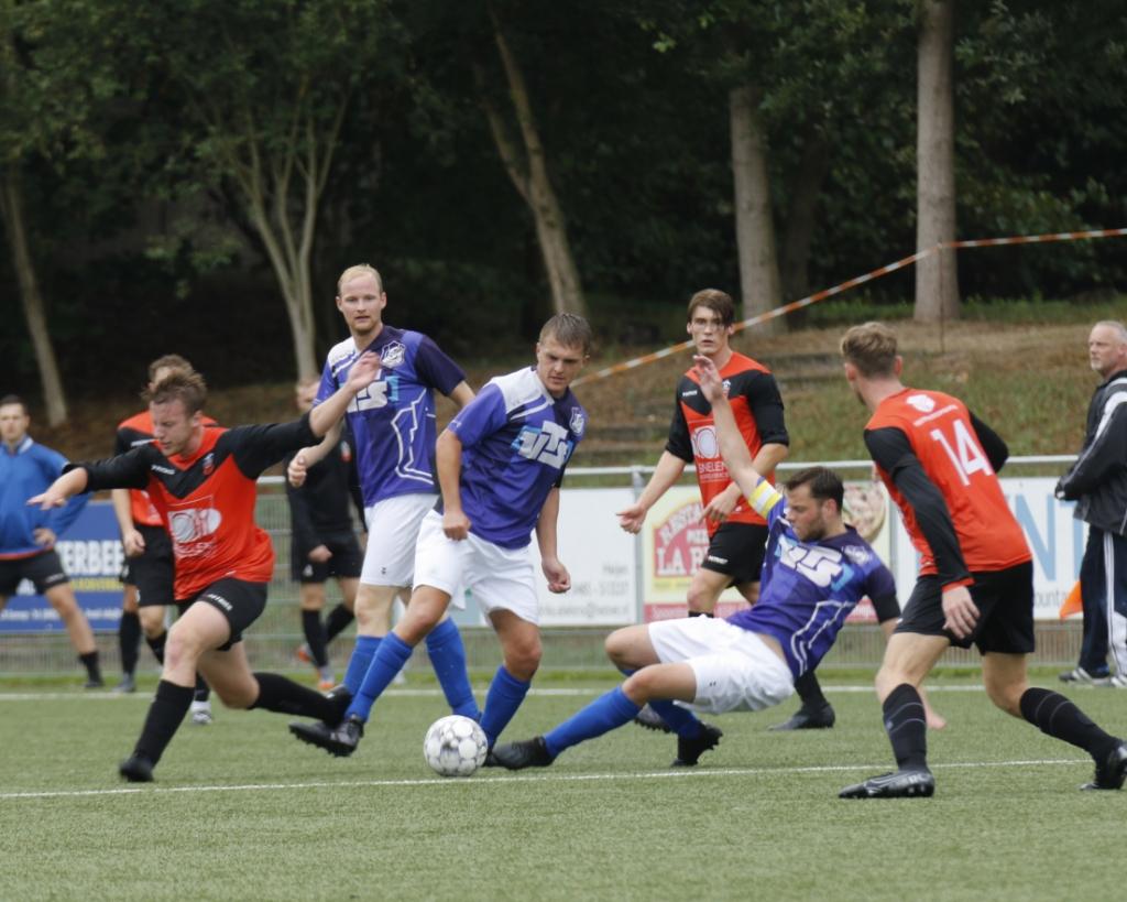 Vitesse'08 kende weinig problemen met Sambeek. Foto: Bas Delhij © Kliknieuws Veghel