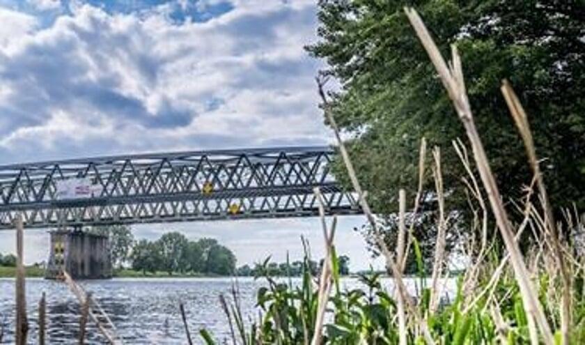 Onderdeel van het MaasWaalpad is een nieuwe brug over de Maas, De Maasover