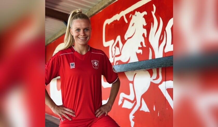 <p>Kika van Es is met ingang van het seizoen 2020-2021 weer actief voor FC Twente.</p>