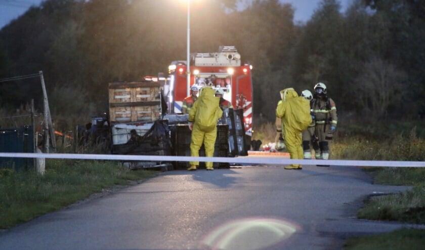 <p>De brandweer werd opgeroepen om de samenstelling van de vloeistoffen te onderzoeken.</p>