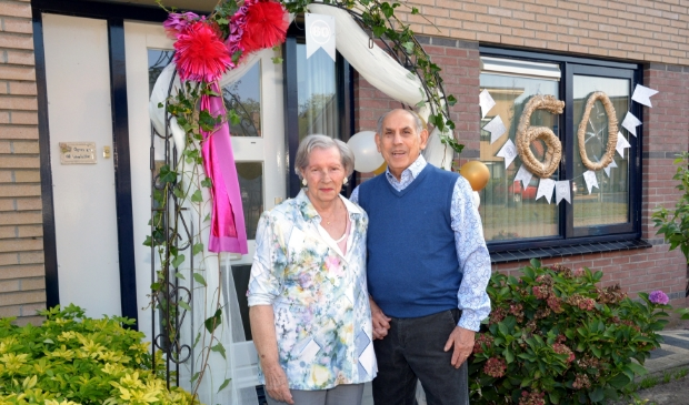 Agnes en Ad Lavalette vierden op 12 september hun diamanten huwelijk. (foto: Henk Lunenburg)