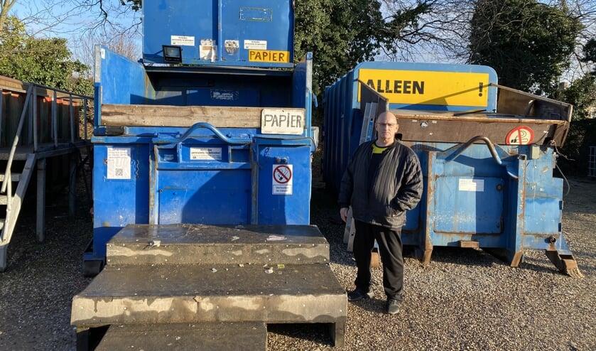 <p>Rien Xhofleer en zijn bedrijf moeten, als het aan de gemeente ligt, het perceel aan de Heeswijksestraat verlaten. (Foto: Rob&egrave;rt Cooijmans)&nbsp;</p>