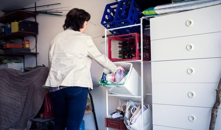 <p>Plastic verpakkingen, blikken en pakken doet u nog steeds in de PMD-zak. </p>