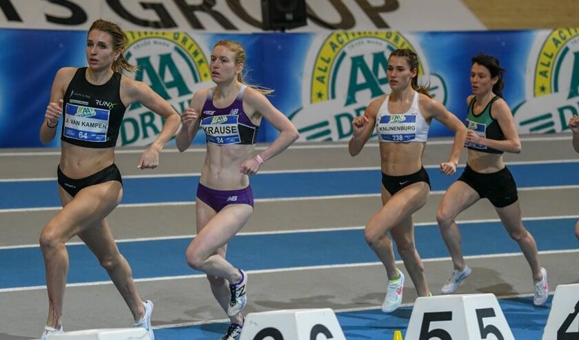 Anne Knijnenburg hier in derde positie. (Foto: Atletiekunie)