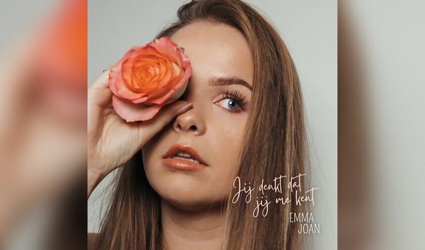 <p>Emma Loeffen, artiestenaam Emma Joan, heeft haar debuutsingle &#39;Jij denkt dat je me kent&#39; uitgebracht.</p>