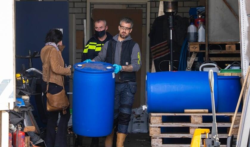 Politie en douane aan het Hunnenpad. (Foto: Gabor Heeres, Foto Mallo)