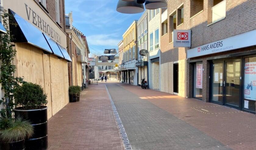 <p>Uit angst voor ongeregeldheden hebben verschillende ondernemers in Veghel hun winkel preventief dichtgetimmerd.</p>