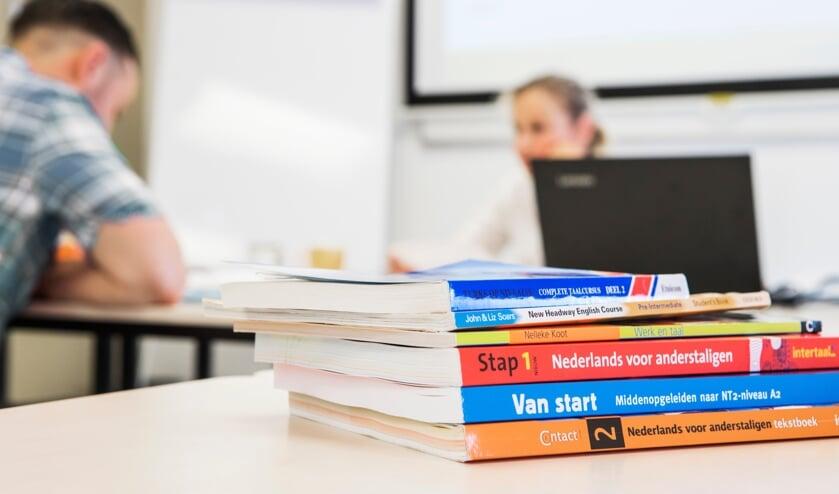 Leer Nederlands bij Volksuniversiteit Oss.