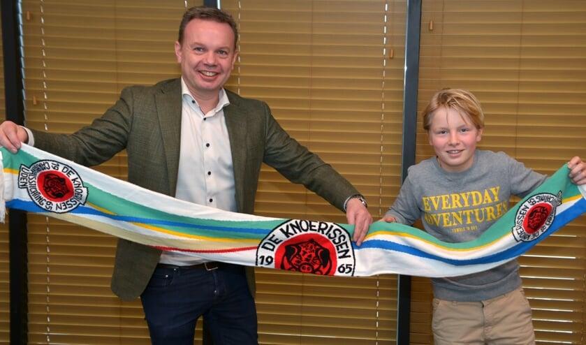 <p>Roland en Ties, die beiden een jaartje extra prins van Uden zijn. (foto: Henk Lunenburg)</p>