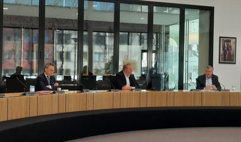 Wethouders Johan van der Schoot, Frank den Brok en Joop van Orsouw.