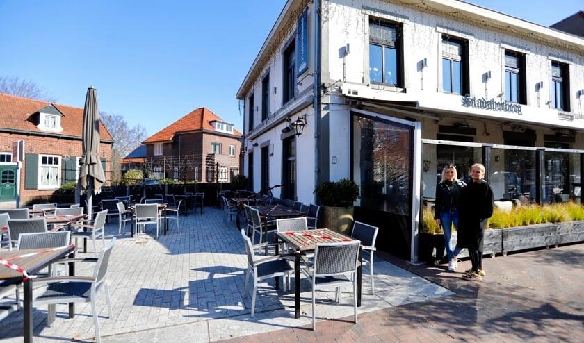 <p>Bij De Stadsherberg in Gennep hebben ze het terras opgebouwd puur voor de beeldvorming. </p>