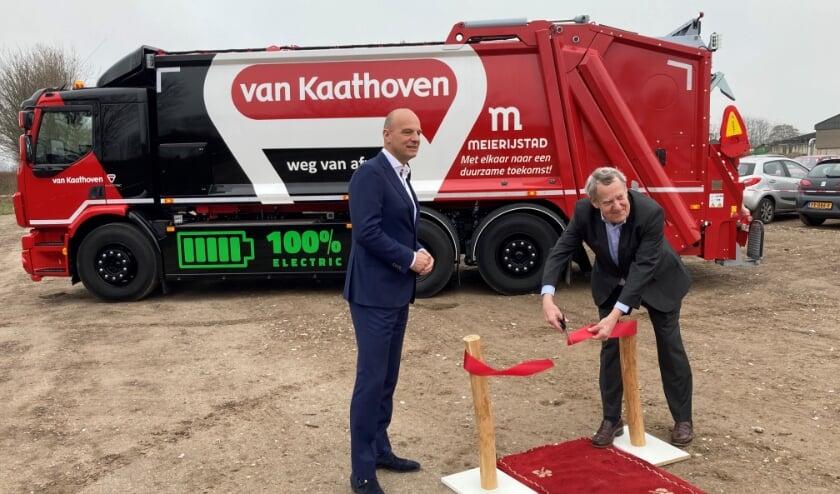 Wethouder Harry van Rooijen en Rob Meulendijks, directie Van Kaathoven.
