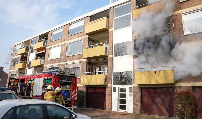 Brand in de Heischouw. (Foto: Gabor Heeres, Foto Mallo)
