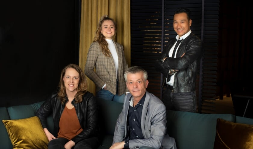 <p>Het team van Thuis Interieur & Design. (foto: &nbsp;Fenna Gijswijt Fotografie)</p>