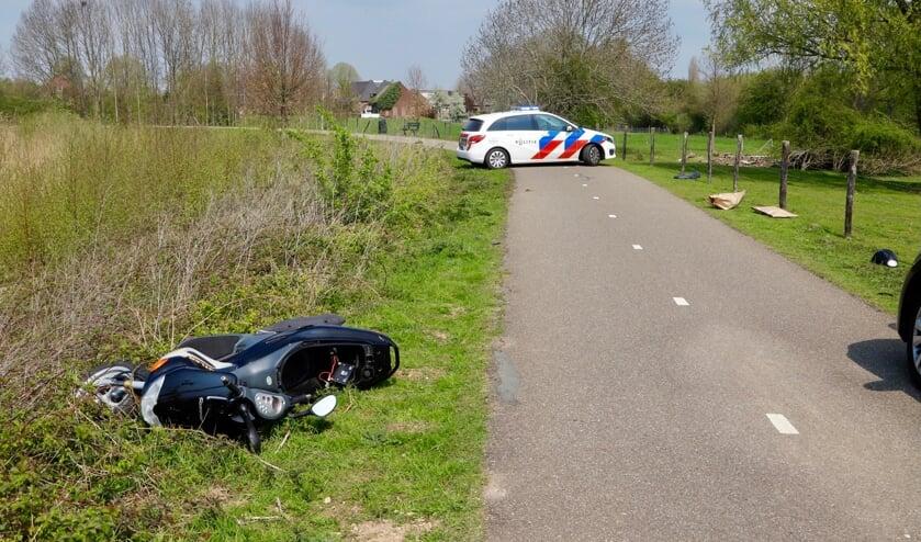 De bestuurder van de scooter nam na het incident de benen.