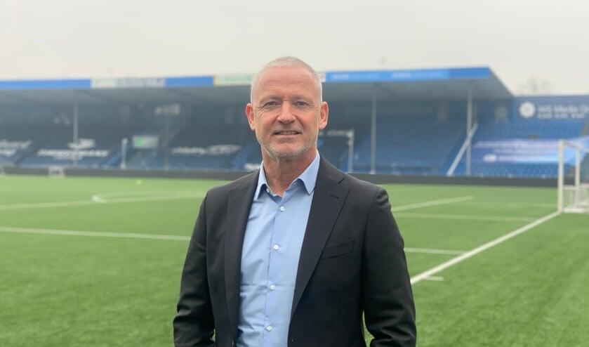 <p>Jack de Gier in het stadion van FC Den Bosch.</p>