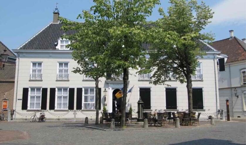 <p>Het Raadhuis in Ravenstein.</p>