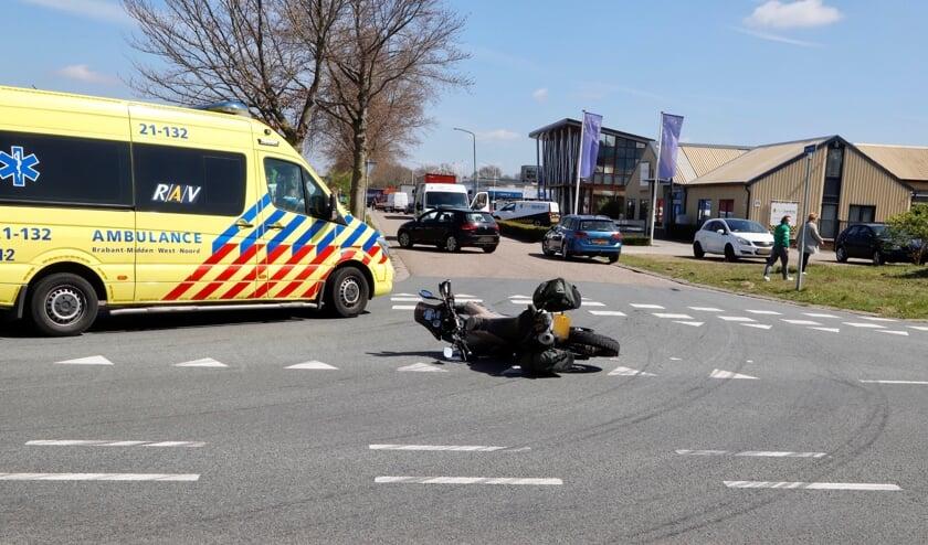 Een motorrijder is vrijdag gewond geraakt op de Hork in Cuijk.