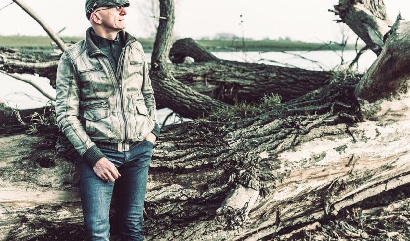 <p>Jos van Oorschot presenteert op 28 april zijn nieuwe album.</p>