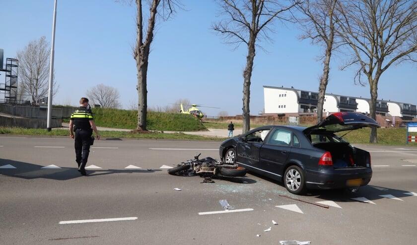 <p>Stille getuigen van het ongeluk waarbij een motorrijder zwaargewond is geraakt.</p>