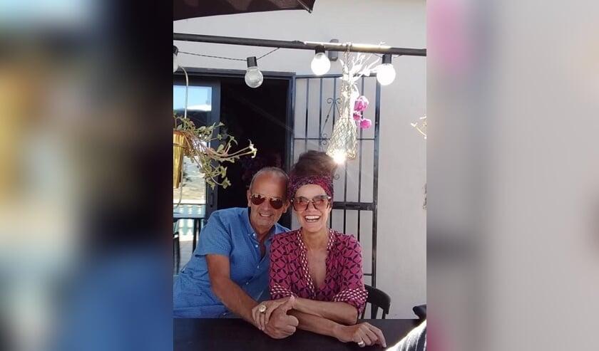 <p>Bert en Marie-José van den Tillaart genieten nog dagelijks van het Spaanse leven.</p>