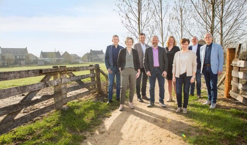 <p>Van links naar rechts: Roel van Hoof, Monique Raaijmakers-Stiphout, William Peters, Jos Nielen, Leonie Schaeffers, Petra Willems, Bert Bardoel en Jelle Hettinga.</p>