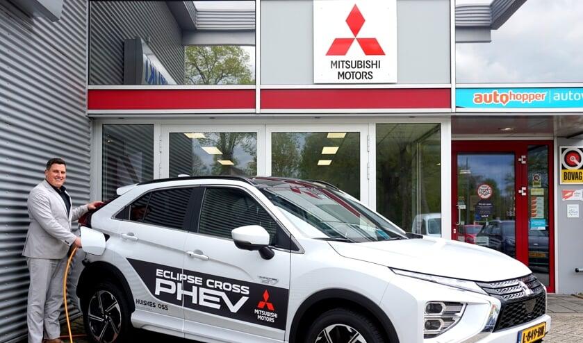 Mitsubishi Eclipse Cross PHEV in showroom Autobedrijf Huiskes