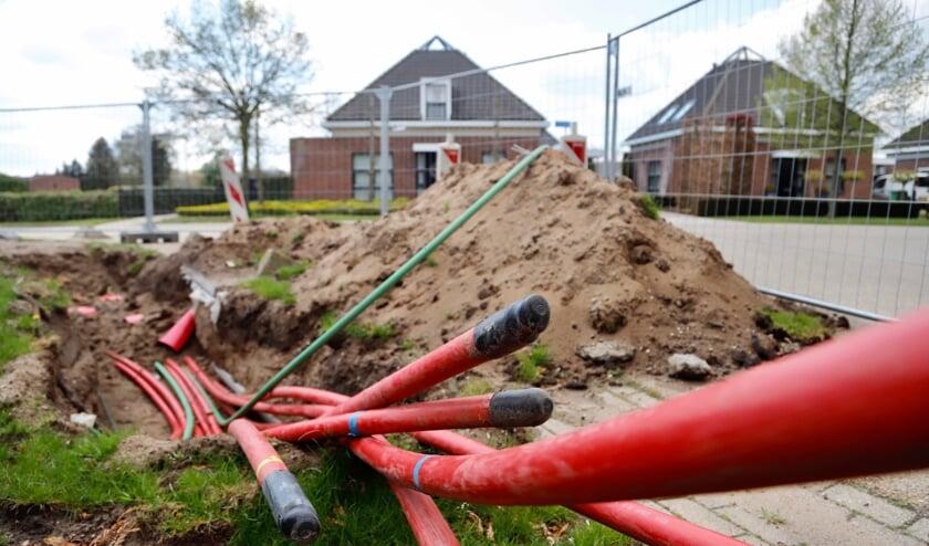 <p>Het aanleggen van de hoogspanningskabels verloopt in Rijkevoort verre van vlekkeloos. (Foto: SK-Media)</p>