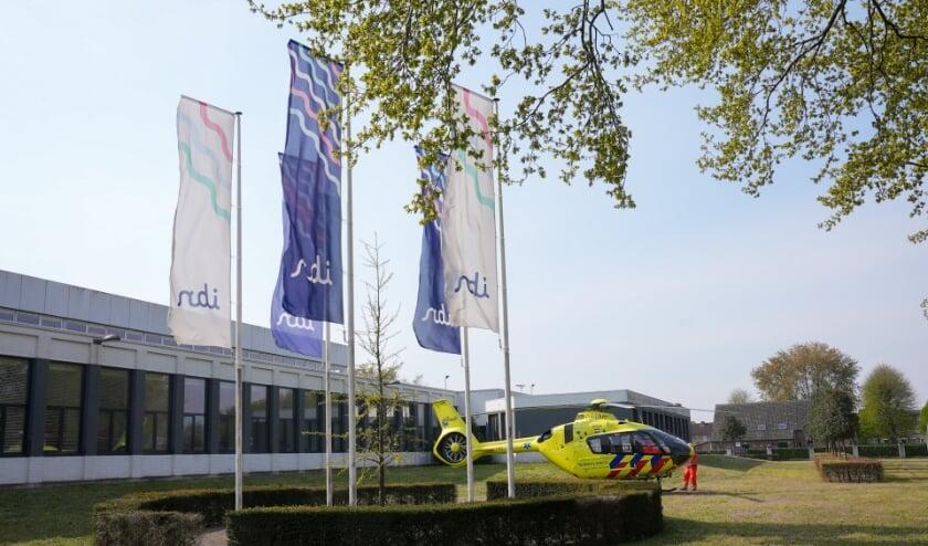 Traumahelikopter landt na incident bij productielocatie IBN. (Foto: Gabor Heeres, Foto Mallo)