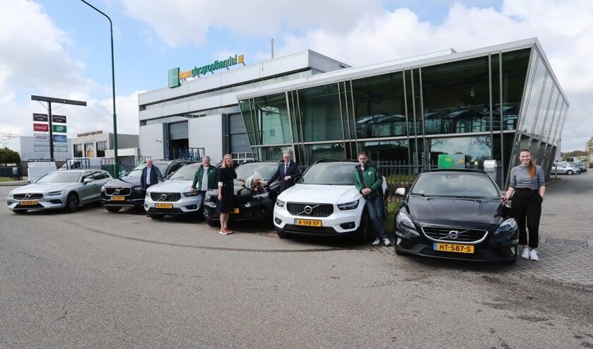<p>Autobedrijf Vos Oss heeft nieuwe Volvo&#39;s geleverd aan Glasgroothandel Van der Ham.</p>