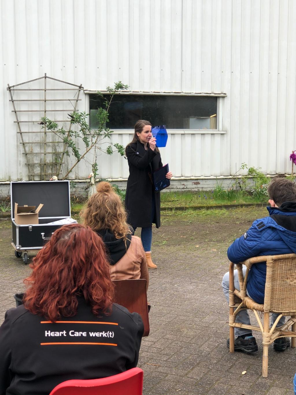 <p>De Lievekamp en Rotary Club Oss overhandigen eerste Theaterkist</p>