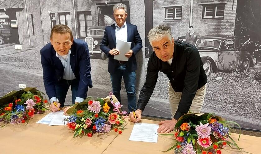 <p>Patric Brinkman (Cobri Logistics), Ferdinand van den Boomen (Team manager Supply Chain Jumbo) en Paul Cox (Cobri Logistics).</p>